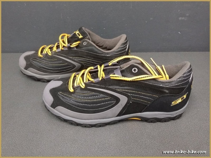 """Chaussures NOS """"SIDI BASIC"""" Taille 45 (Ref 55)"""