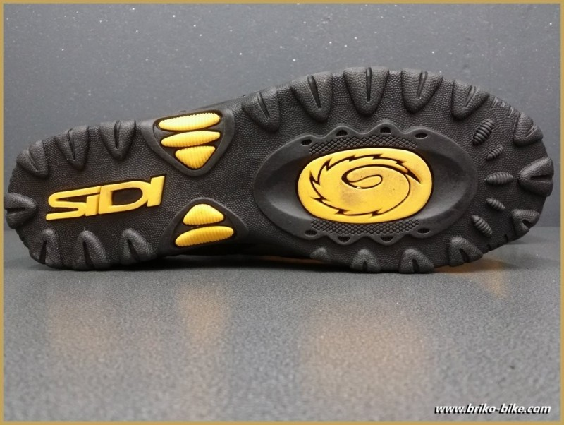 """Chaussures NOS """"SIDI BASIC"""" Taille 42 (Ref 56)"""