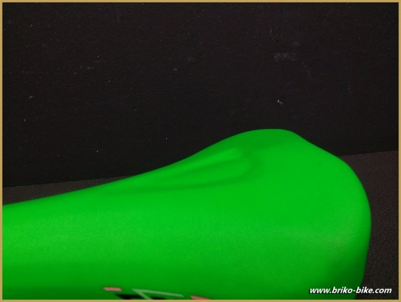"Selle Italia ""CANYON"" Vert fluo (Ref 243)"