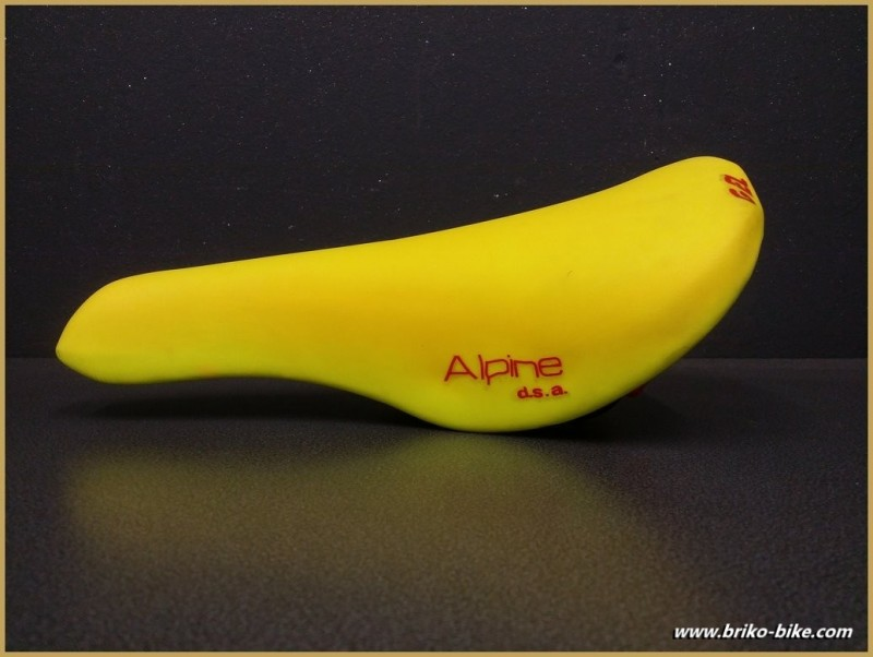 """El sillín Selle Italia ALPINO D. S."""" Amarillo fluorescente (Ref 242)"""