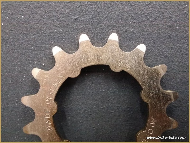 """Sprocket Track """"MICHE 16 tooth (Ref 04)"""