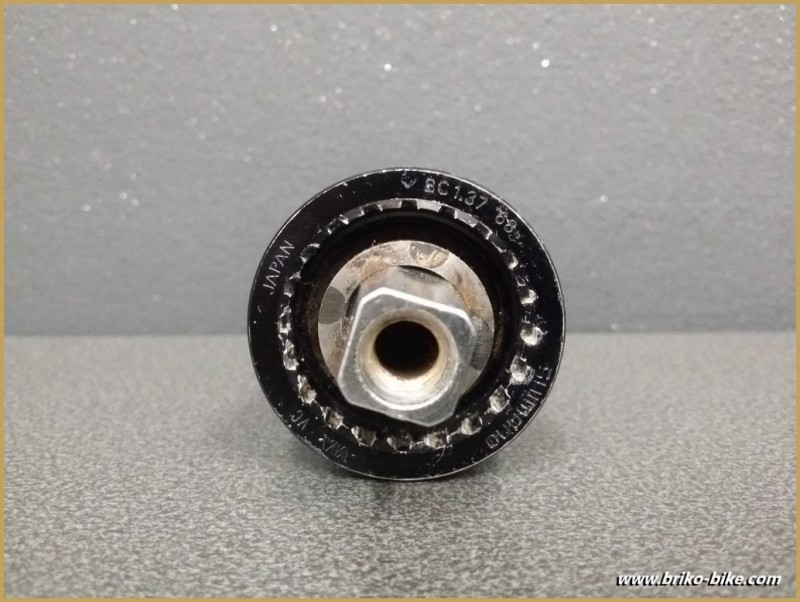 """Axis of the bottom bracket """"SHIMANO BB-UN72"""" 108 mm BSC (Ref 247)"""