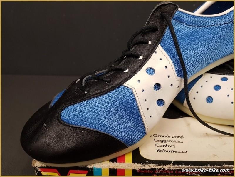 """Chaussures NOS """"VITTORIA SUPERLEGGERO"""" Taille 42 (Ref 62)"""