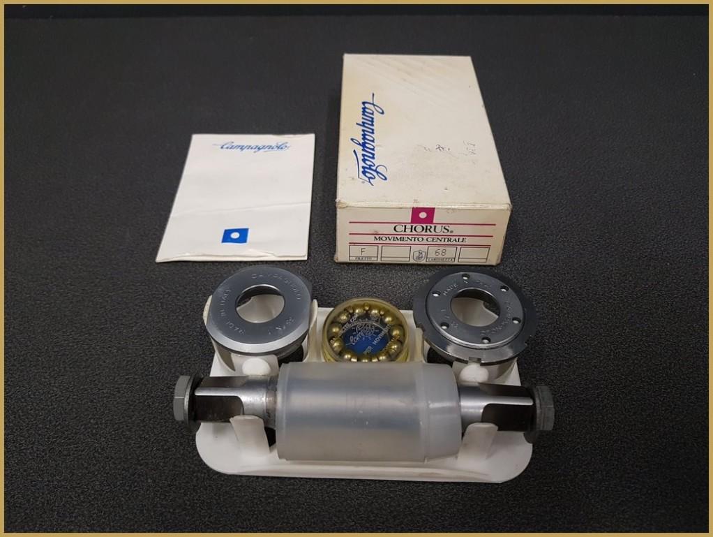 Axe de pédalier NOS  CAMPAGNOLO CHORUS  111 mm  35 x 1 (Ref 259)