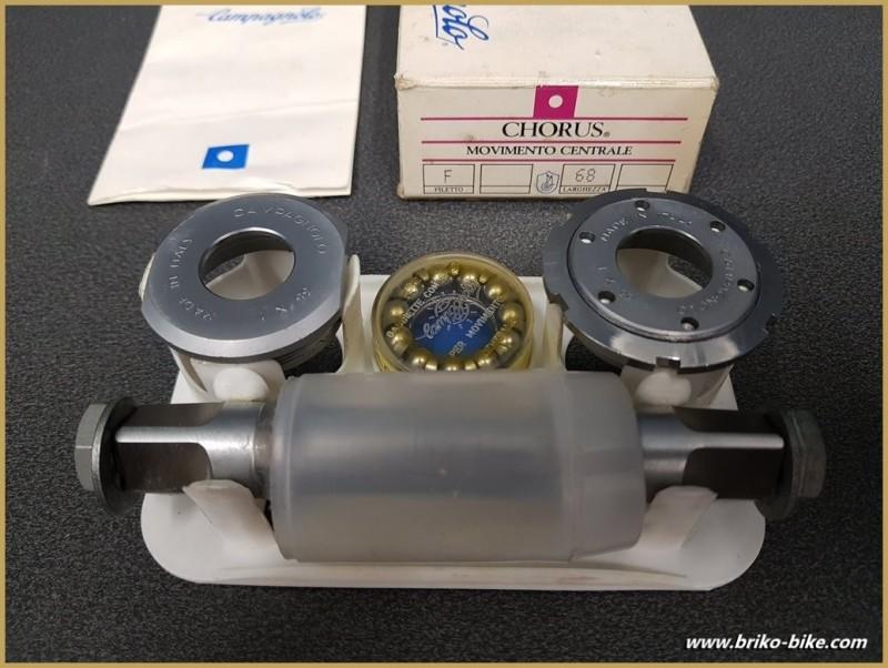 """Axe de pédalier NOS """"CAMPAGNOLO CHORUS"""" 111 mm  35 x 1 (Ref 259)"""
