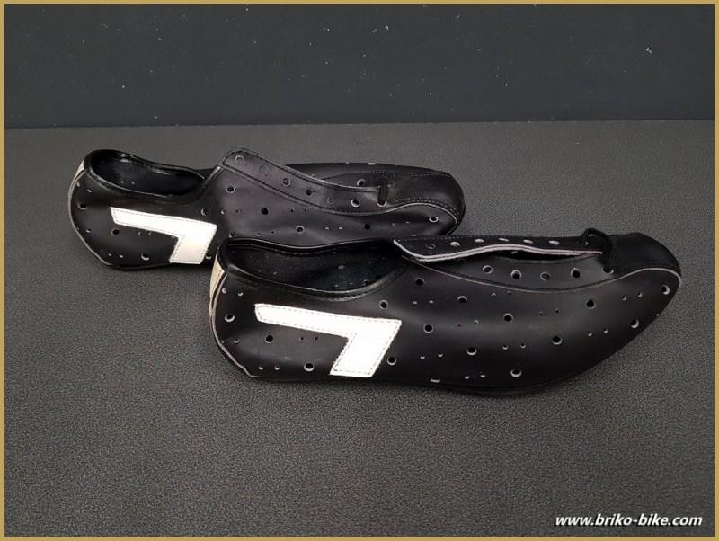 """Schuhe UNSERE """"NOEL"""" Größe 39 (Ref 80)"""