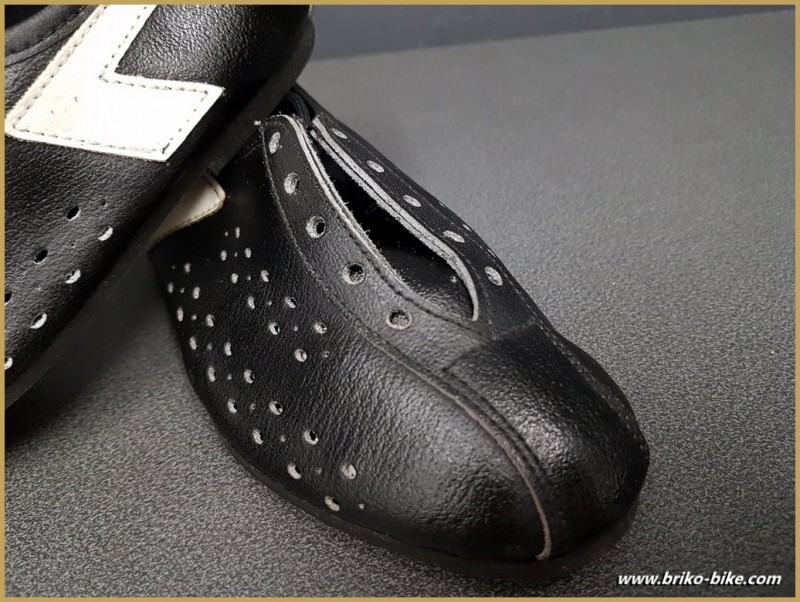 """Zapatos de NUESTRA """"AGIRO"""" Tamaño 32 (Ref 73)"""