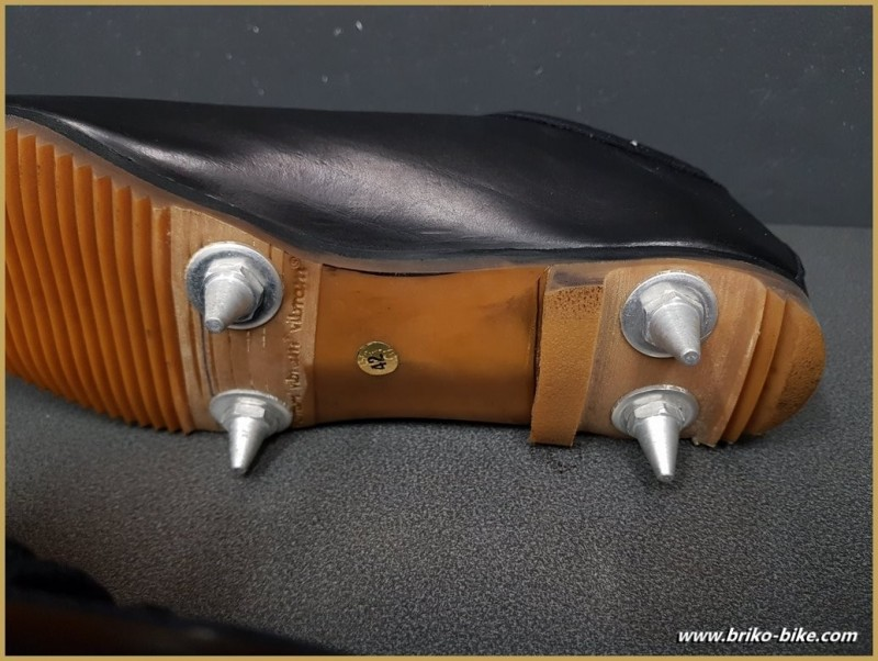 """Scarpe NOSTRO """"BIANCHI CX"""" Taglia 42 (Rif 87)"""