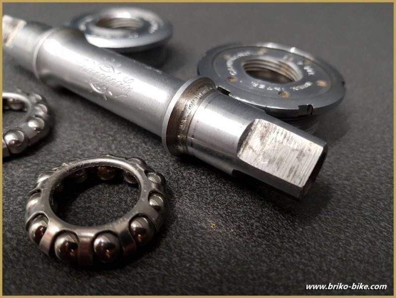 "Axe de pédalier ""CAMPAGNOLO SUPER RECORD"" 113 mm 36 x 24 (Ref 271)"