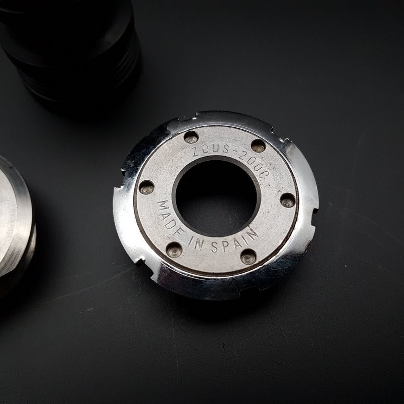 """Crank axis """"ZEUS CRITERIUM"""" 118 mm 35 x 1 (Ref 316)"""