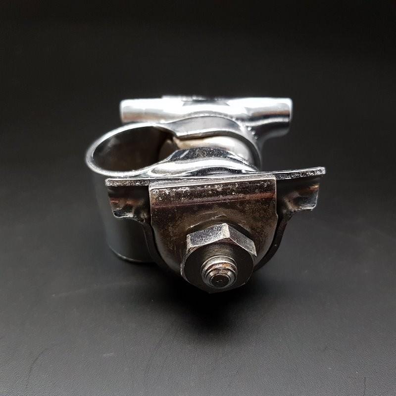 Abrazadera de sillín de acero cromado (Ref 26)