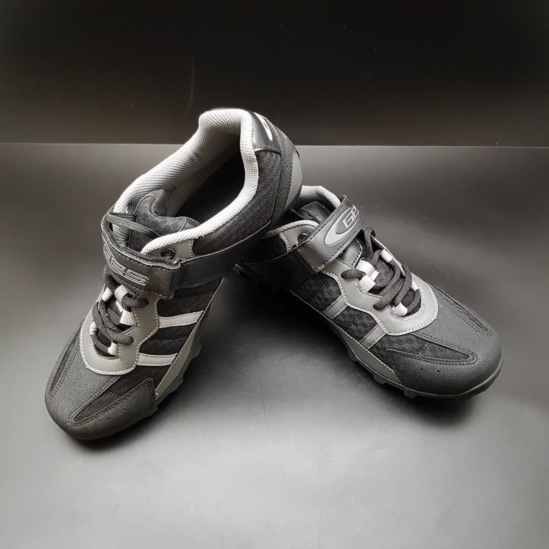 """Shoes N. O. S"""" GES """" Size 44 (Ref 99)"""