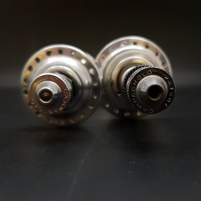 """Pair of hubs """"CAMPAGNOLO RECORD"""" 36t (Ref 382)"""