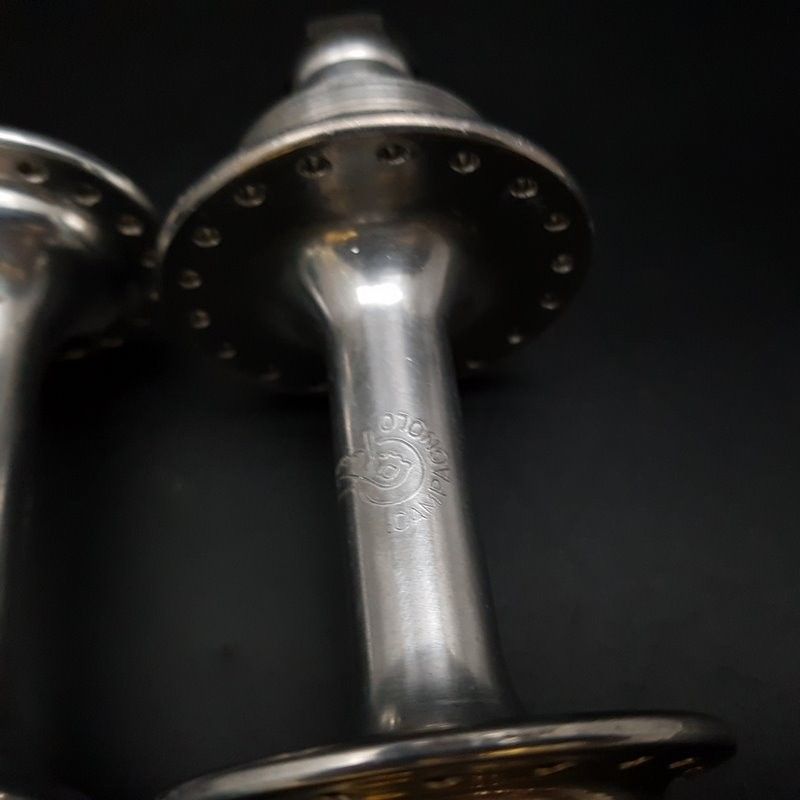 """Pair of hubs """"CAMPAGNOLO TIPO"""" 36t (Ref 383)"""