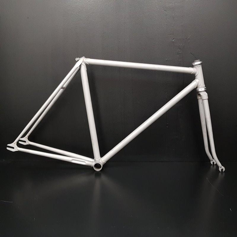 Sandblasted steel track frame Size 50