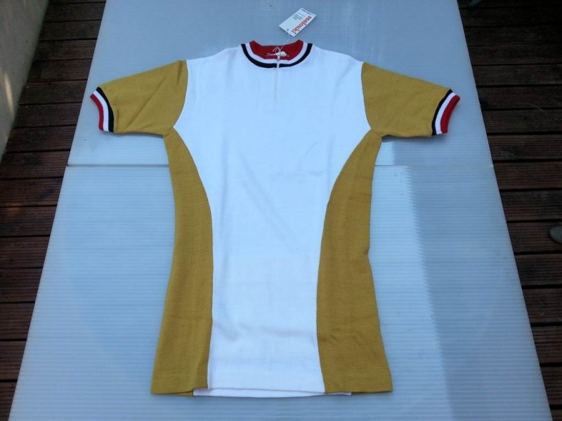 "Jersey our ""Sports Westen"" size 1"
