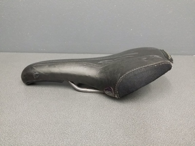 """Selle """"CANNONDALE"""" (Ref 08)"""