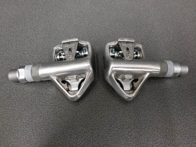 """Los pedales automáticos NUESTRO """"WELLGO RC-713"""" (Ref 221)"""