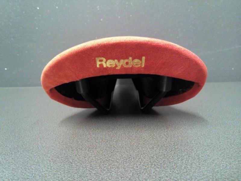 """La silla de montar NUESTRO """"REYDEL"""" (Ref 55)"""