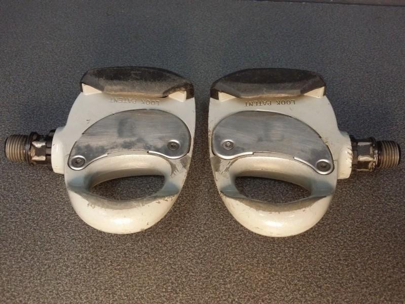 """Los pedales automáticos """"MIRADA"""" (Ref 383)"""