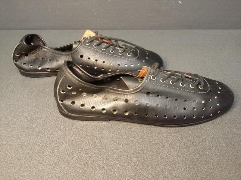 "Schuhe UNSERE ""HUNGA"" Größe 40 (Ref 26)"