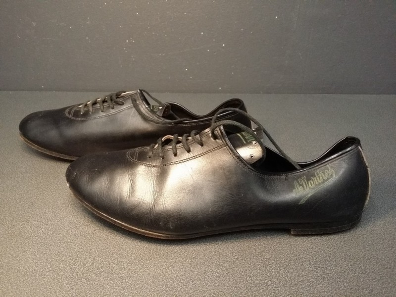 "Shoes ""A. VARTHIES"" Size 40 (Ref 25)"