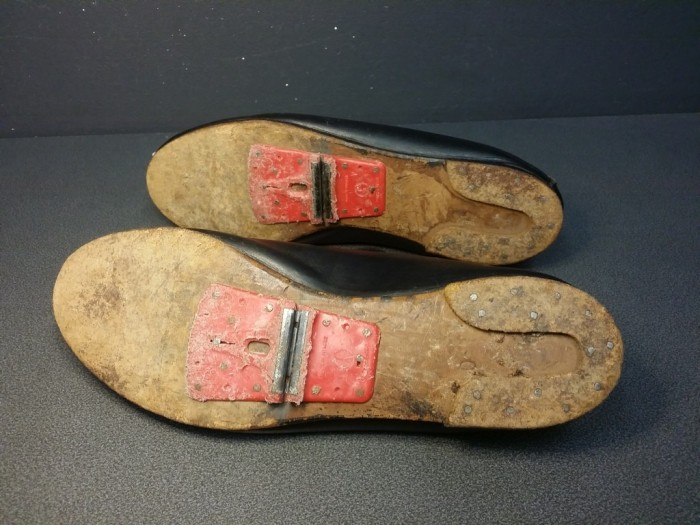 """Shoes """"A. VARTHIES"""" Size 40 (Ref 25)"""