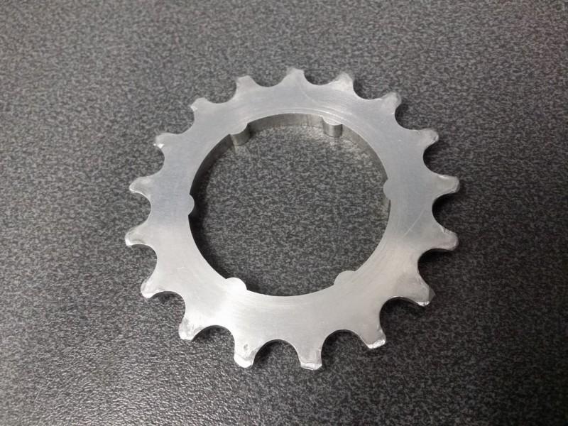 """Sprocket freewheel NOS """"CAMPAGNOLO SR 50th"""" 17d (Ref 09)"""