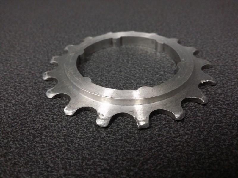 """Pignon roue libre NOS """"CAMPAGNOLO SR 50th"""" 17d (Ref 09)"""