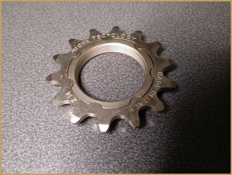 "Adapter sprocket track ""LOAF"""