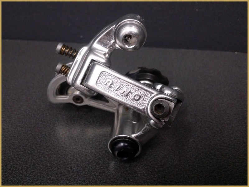 """Deragliatore posteriore """"RINO"""" 6v (Rif 858)"""
