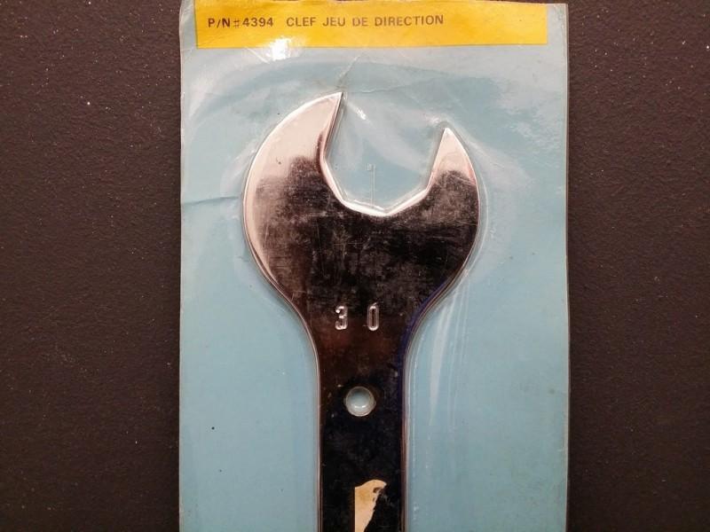 Schlüssel richtung UNSERER (Ref 01)