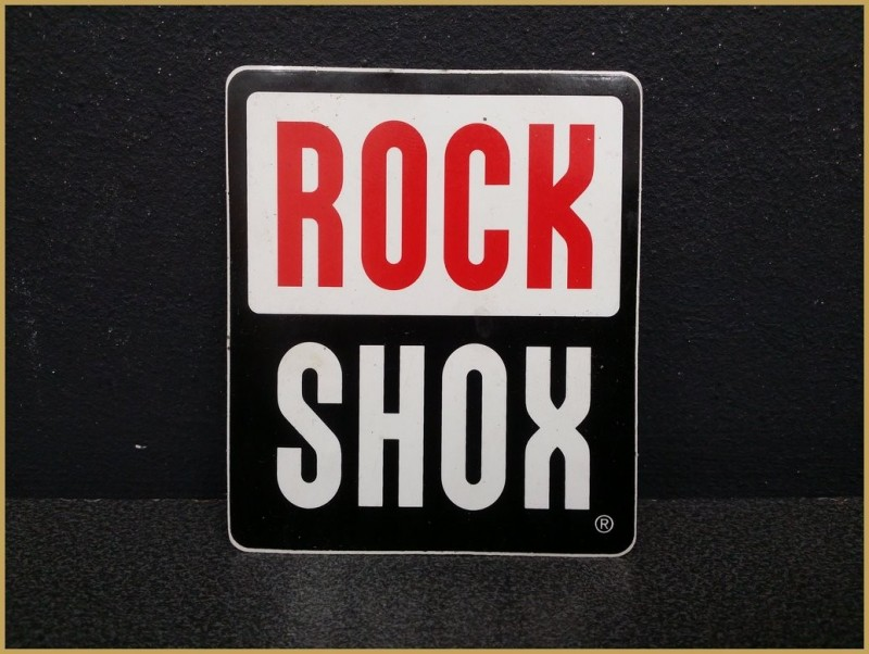 """Pegatina con """"ROCK SHOX"""""""